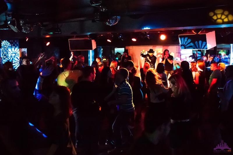 Хостес ночного клуба москва клуб москвы где женщины снимают мужчин